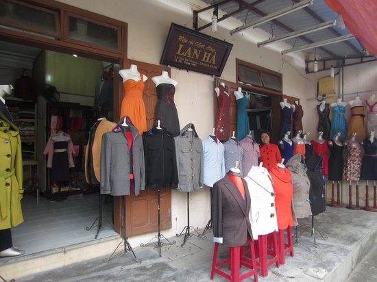 Lan Ha cloth shop