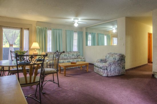 chalet inn suite 2 bedroom