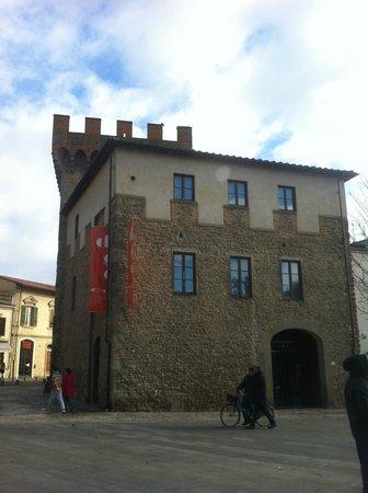 Il Cassero per la Scultura Italiana dell'Ottocento e del Novecento: Il Cassero a Montevarchi, esterno