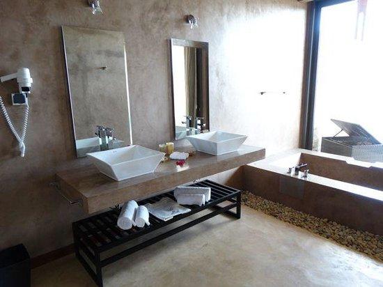 Isalo Rock Lodge: Bathroom