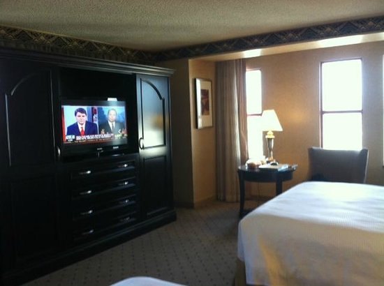 New York Hotel And Large Tv Wardrobe Cabinet In Upgraded
