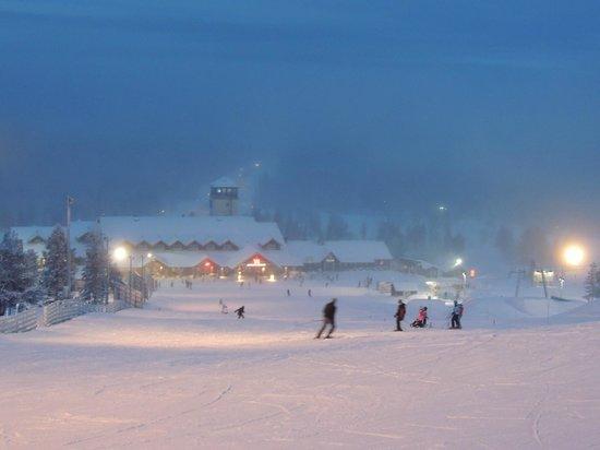 Lapland Hotel Akashotelli: Yllas ski slopes