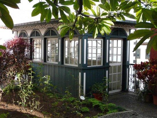 Frederico de Freitas Museum : Laube im Garten des Innenhofs