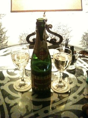 Night Theater District : Complimentary Champage from Hotel