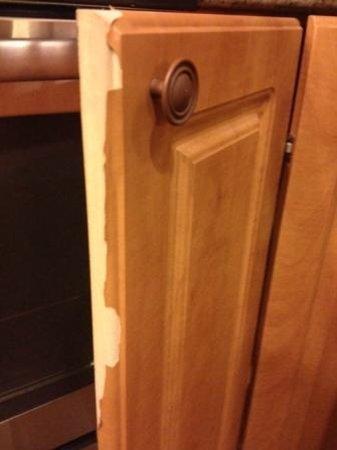 Westgate Park City Resort & Spa: lower cabinet in kitchen