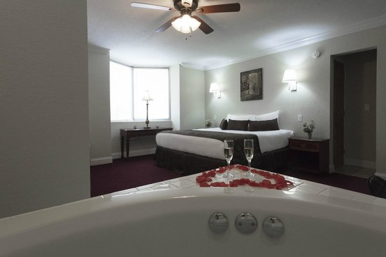 Reagan Resorts Inn : king Jacuzzi