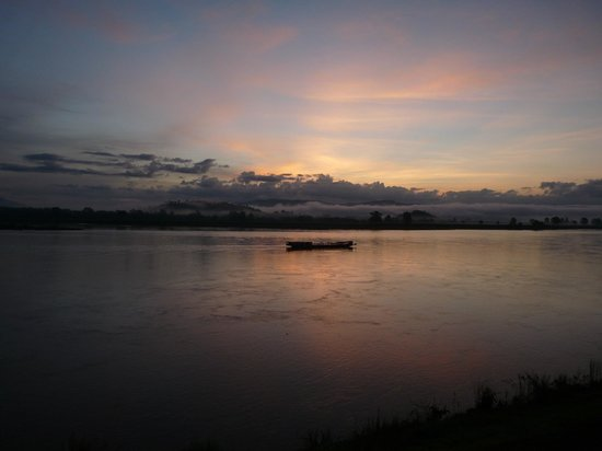 Siam Triangle Hotel : Mekong River sunrise, minutes later