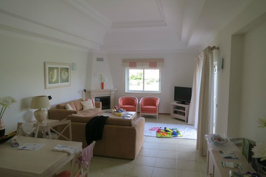 Vale d'Oliveiras Quinta Resort & Spa: One bedroom town house living area.
