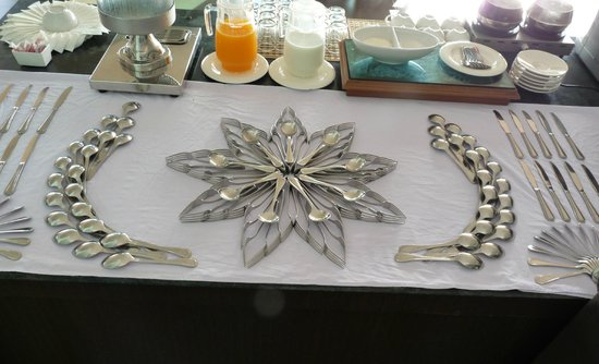 Siam Triangle Hotel : breakfast silverware