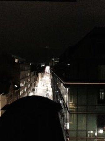 MAS Residence: view up rue de stevin