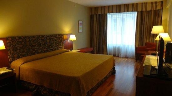 Hotel NH Buenos Aires Latino: Quarto do Hotel Nh Latino
