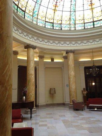 Gran Hotel Bolivar: Entrance hall