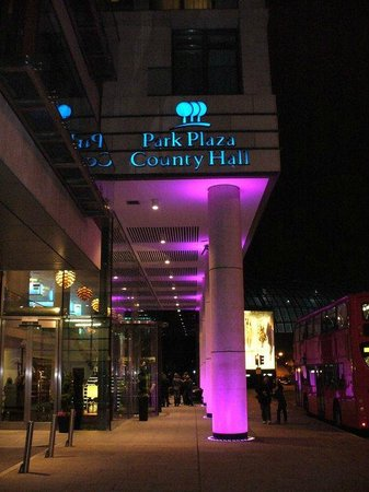 Park Plaza County Hall London: the hotel