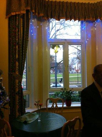 Her Majesty Hotel: sala colazione