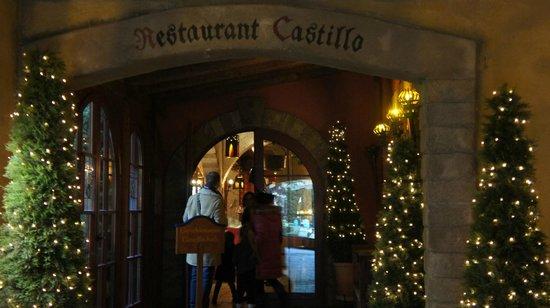 Castillo : Vue sur l'Entrée