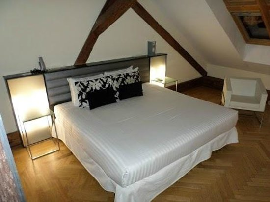 Eurostars Thalia Hotel : BED