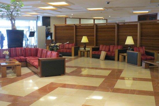Pullman Dakar Teranga : Lobby Area