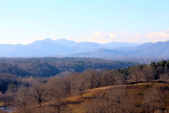 The Inn on Biltmore Estate : Mountain Views from Room 642