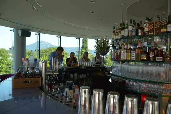 Bar Mayday - Red Bull Hangar-7: bar