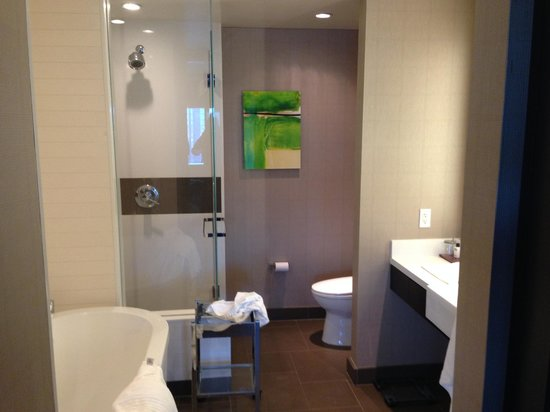 Vdara Hotel & Spa: Bathroom