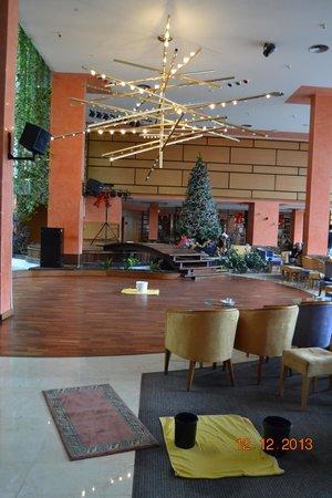 Hotel Gala : Sala de Espectaculos-Las Goteras de la Tormenta