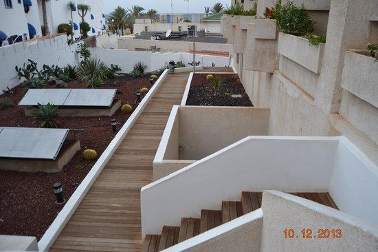 Hotel Gala: Pasadizo a Playa-abierto de 9:00 a 20:00horas