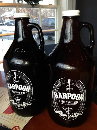 Harpoon Brewery: Growlers to go.