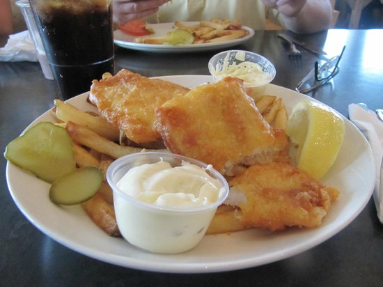 Crowsnest Pub: Fish and chips