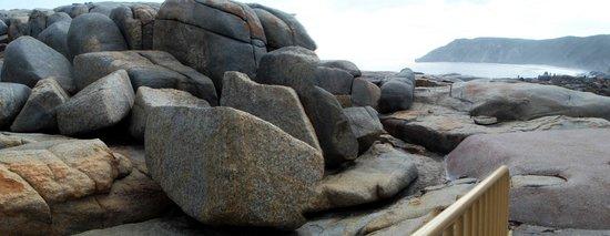 The Gap and Natural Bridge : Boulders