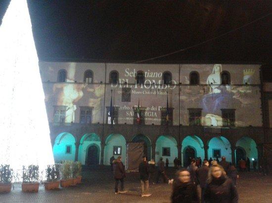 Viterbo Historic Centre: Palazzo dei priori: luminarie