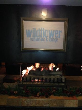 Wildflower Restaurant: The entrance to the restaurant at the Iron Blosam Inn
