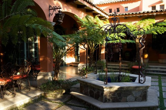 Hacienda del Lago Boutique Hotel : The Courtyard
