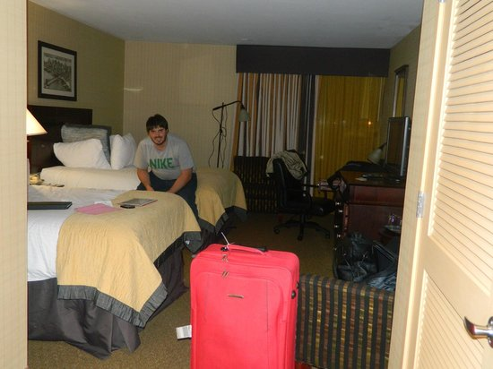 Wonderful Wyndham Garden Newark Airport: Habitacion Bien Grande Awesome Ideas