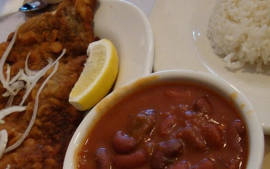 Mad Cuban Cafe: Breaded steak with red beans and rice