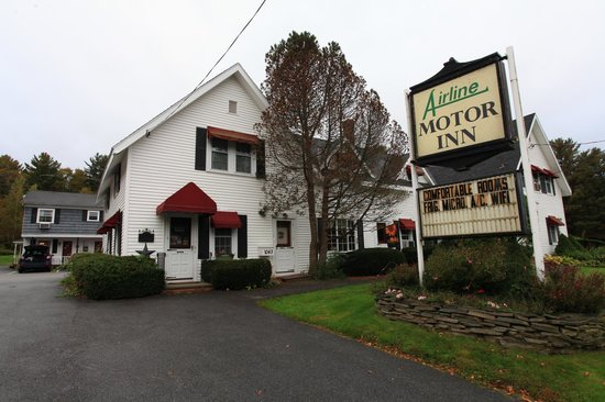 Air-Line Motor Inn: View from the street