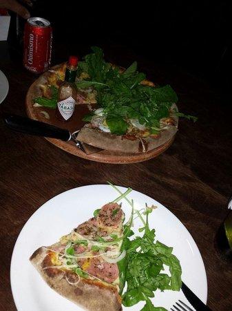 Pedra Ferro Pizza Lounge: Pizza simplesmente perfeita.