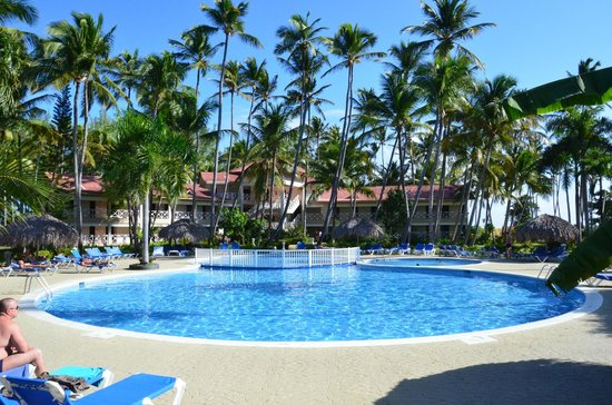 Vista Sol Punta Cana : One of the 3 swimming pools