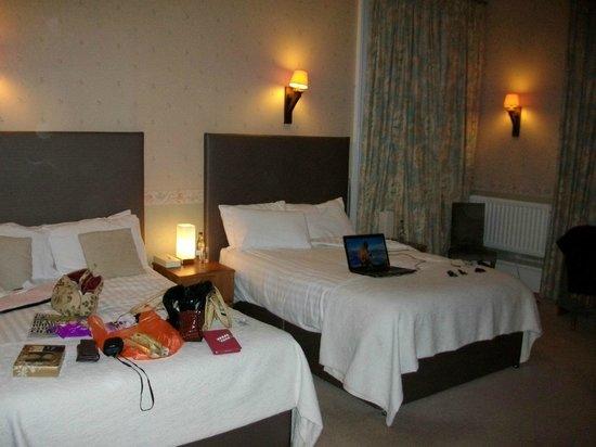 Inverkip Hotel : ROOM 2 VERY SPACIOUS