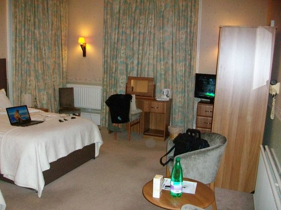 Inverkip Hotel Plenty Of Room More Like A Suite