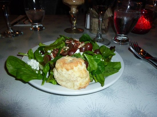 Lady of the Lake Shop, Cafe & Pub: spinach salad