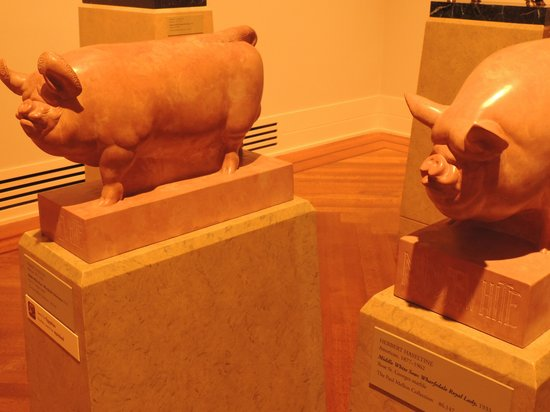 Virginia Museum of Fine Arts: Piggy sculptures..