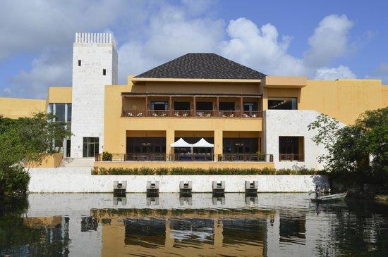 Fairmont Mayakoba: the main building