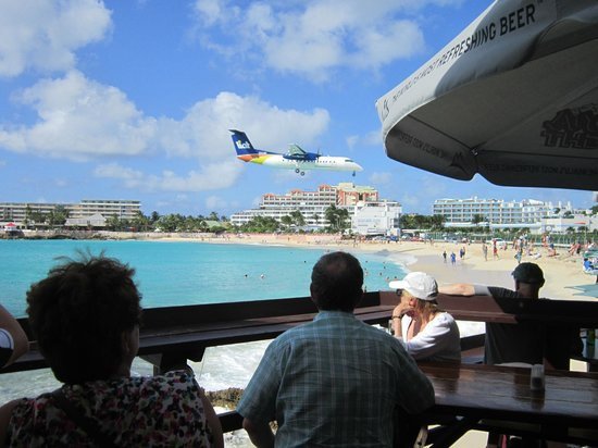 Sunset Beach Bar: incoming!