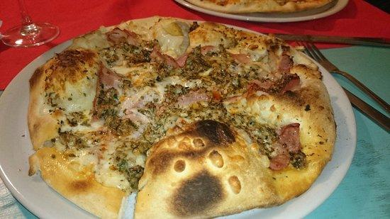 Da Enrico Pizzeria Italiana: Pizza Bianca con carne