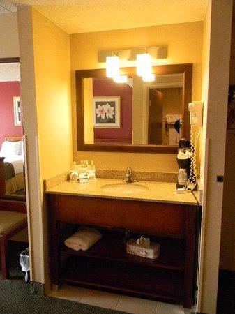 Holiday Inn Express Easton : Guest Bathroom
