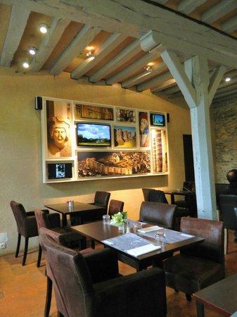 Monument Cafe Chateau d'Angers : Monument Café