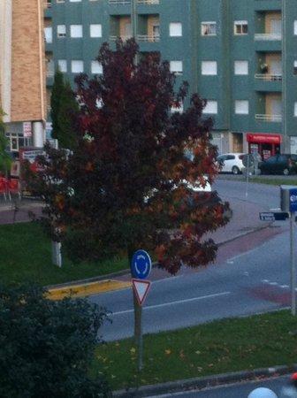 Hotel Lamacaes : Vista da varanda, a paisagem da rua frontal