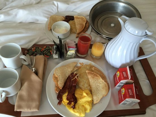 Tampa Marriott Waterside Hotel & Marina: Breakfast was amazing. Highly recommend the sausage!