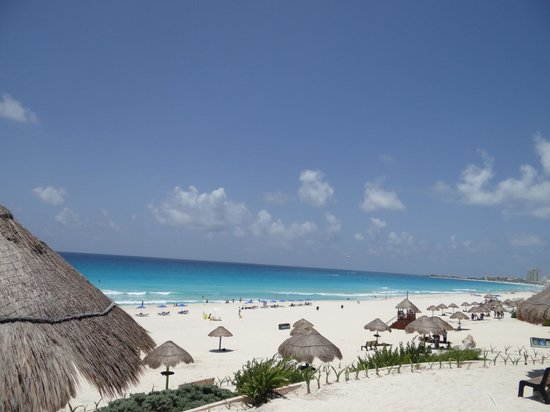 Playa Delfines : linda vista