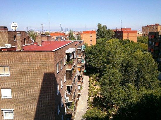 Silken Torre Garden: Vista do quinto andar, último apto do corredor (não lembro o nr)